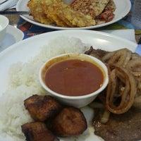 Foto tomada en Maracas Latin Restaurant por Miguel T. el 9/3/2013