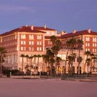 Foto tirada no(a) Casa Del Mar Hotel por Casa Del Mar Hotel em 7/16/2014