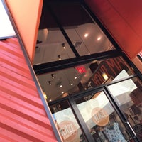Photo taken at Blaze Pizza by Fernanda on 8/13/2017