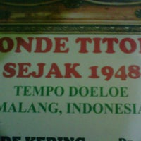 Photo taken at Ronde Titoni by Hendra on 5/17/2013