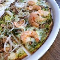 Foto tomada en California Pizza Kitchen por Miguel R. el 9/28/2013