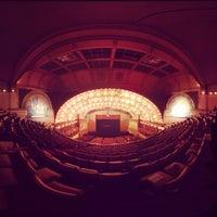 Снимок сделан в Auditorium Theatre пользователем Antonio G. 2/16/2013