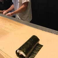 Foto tomada en KazuNori: The Original Hand Roll Bar  por Adam W. el 11/24/2017