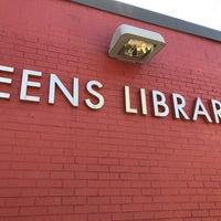Foto tomada en Queens Library at Sunnyside por Jesse H. el 9/28/2017
