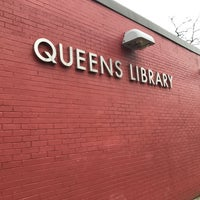 Foto scattata a Queens Library at Sunnyside da Jesse H. il 2/16/2018