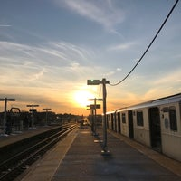 Photo taken at MTA Subway - Junction Blvd (7) by Jesse H. on 3/13/2017