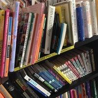 Photo prise au Half Price Books par Skywalker M. le1/29/2013