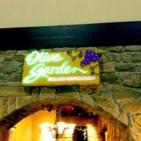 Foto tirada no(a) Olive Garden por Eric F. em 9/28/2014