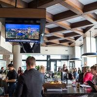 Earls Kitchen + Bar - Bar in Plano
