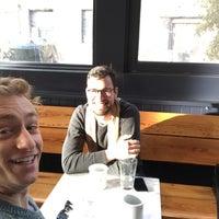 12/4/2016 tarihinde Matt F.ziyaretçi tarafından ReAnimator Coffee Roastery'de çekilen fotoğraf