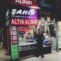 Photo taken at ŞAHİN KUYUMCULUK & SARRAFİYE by Tufan S. on 6/4/2015