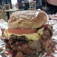 Photo taken at Five Guys by Be r. on 1/11/2013