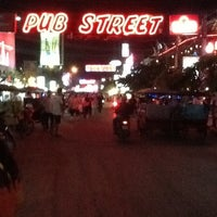 Photo taken at Pub Street by Ⓖ Ⓐ Ⓜ Ⓨ Ⓤ Ⓨ 💋💋 on 3/23/2013
