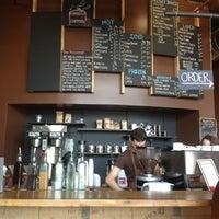 4/8/2013 tarihinde Stephania A.ziyaretçi tarafından COFFEED'de çekilen fotoğraf