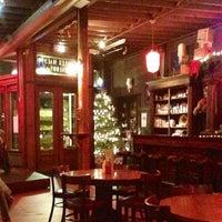 Foto scattata a Jules Maes Saloon da Katie M. il 12/30/2012