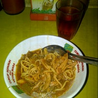 Photo taken at Mie Ayam Jamaras by Desi H. on 6/6/2013