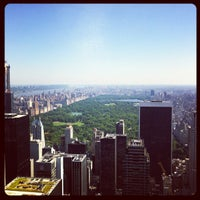 Foto tomada en Top of the Rock Observation Deck  por Maxim F. el 6/20/2013