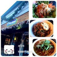 Photo taken at Bangkok Happy Bowl Thai Bistro and Bar - Aspen, CO by Pammy C. on 1/3/2014