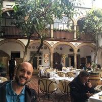 Foto tomada en Restaurante Casa Palacio Bandolero por Lilian M. el 3/17/2017