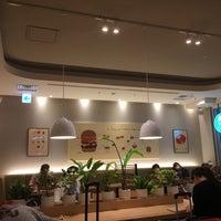 Photo taken at MOS Cafe by Wayne on 9/1/2017
