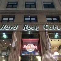 Foto tomada en Hard Rock Cafe Barcelona por Onur Metin C. el 12/28/2012