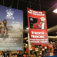 Photo taken at Guitar Center - Closed by Mossman $. on 12/4/2013