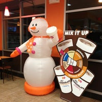 Photo taken at Dunkin' Donuts by Mossman $. on 12/31/2013