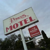 Photo taken at Princes Motel Bega by Sperospera21 on 12/27/2012
