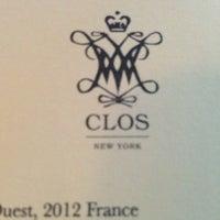 Photo prise au Clos Wine Bar par Fura J. le6/29/2013