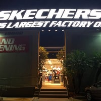 Photo taken at SKECHERS Factory Outlet by Natalie U. on 11/26/2015