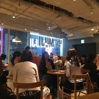 5/5/2018にBurak K.がCafé & Meal MUJIで撮った写真