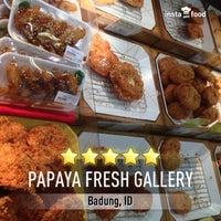 9/29/2013にHenry SetiawanがPapaya Fresh Galleryで撮った写真