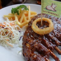 Photo taken at WAHAHA Pork Ribs by Henry Setiawan on 11/2/2013