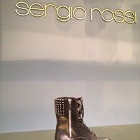 Foto scattata a Sergio Rossi showroom da Oleg K. il 2/4/2014