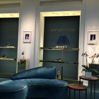 Foto scattata a Sergio Rossi showroom da Oleg K. il 10/2/2014