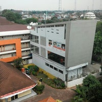 Photo taken at Perpustakaan by Nugraha A. on 8/14/2015