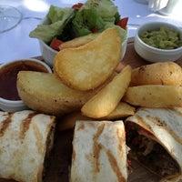 2/26/2013 tarihinde NARCIN K.ziyaretçi tarafından Green Beach Restaurant'de çekilen fotoğraf