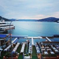 6/2/2013 tarihinde Zeynep T.ziyaretçi tarafından Çapari Restaurant'de çekilen fotoğraf
