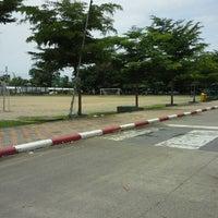 Photo taken at ทีมจุฬา ธรรมศาสตร์ 108 ติวเตอร์ สาขาบางเมืองเขียนผ่องอนุสรณ์ by KruMeng 1. on 8/24/2013