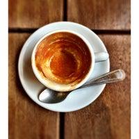5/1/2015 tarihinde Scott E.ziyaretçi tarafından Oslo Coffee Roasters'de çekilen fotoğraf
