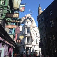 Photo taken at The Wizarding World Of Harry Potter - Diagon Alley by Javier P. on 7/6/2014
