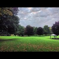 Das Foto wurde bei Washington Park von Arc Z. am 10/7/2012 aufgenommen