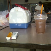 Photo taken at Dunkin' Donuts by Diky M. on 3/13/2013