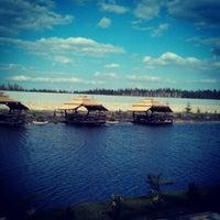 รูปภาพถ่ายที่ Край-Рай โดย Мария К. เมื่อ 4/21/2013