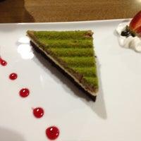 1/11/2013 tarihinde Emre A.ziyaretçi tarafından Western Lucky's Cafe & Bistro'de çekilen fotoğraf