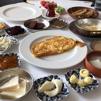 9/1/2018 tarihinde Hakan T.ziyaretçi tarafından Seraf Restaurant'de çekilen fotoğraf