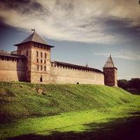 Das Foto wurde bei Novgorod Kremlin von Li D. am 7/7/2013 aufgenommen