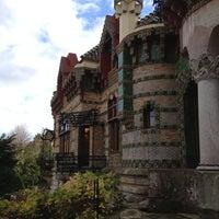 Foto tomada en El Capricho de Gaudí por Raul Viajero F. el 12/21/2012