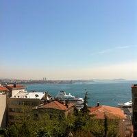 4/23/2013 tarihinde Elena E.ziyaretçi tarafından Demeti'de çekilen fotoğraf