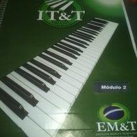 Foto tirada no(a) EM&T - Escola de Música e Tecnologia por Lizandra P. em 1/15/2013